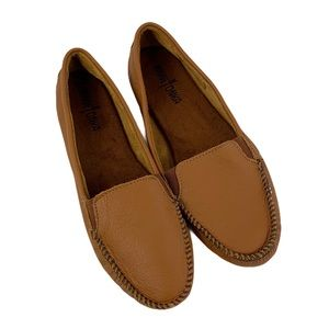 Minnetonka Smooth Leather Loafer Flats